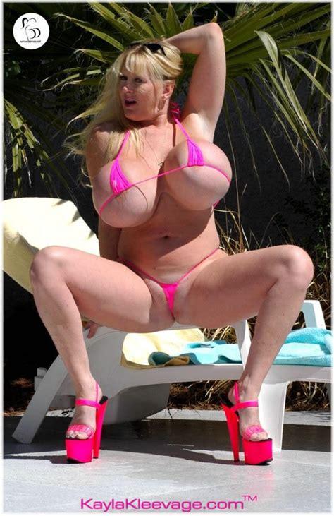 kayla kleevage in bikini jpg 600x926