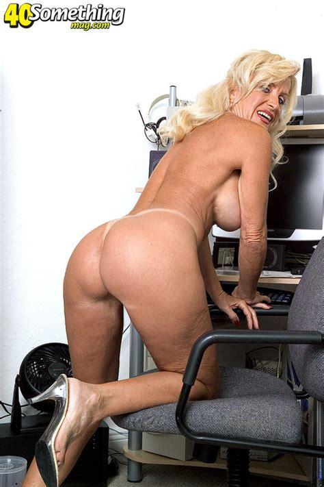 Milf next door pg 8 the top reality porn site online jpg 533x800
